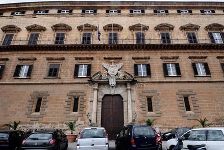 Errore della Regione Sicilia nei moduli per i candidati, è caos