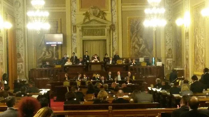 Disavanzo, maggioranza battuta all'Ars: sei franchi tiratori e Regione in tilt