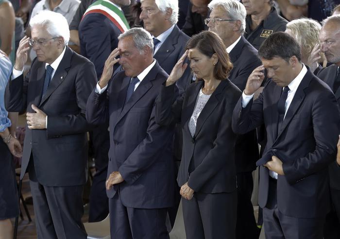 I vertici dello Stato ai funerali delle vittime del terremoto, Mattarella: