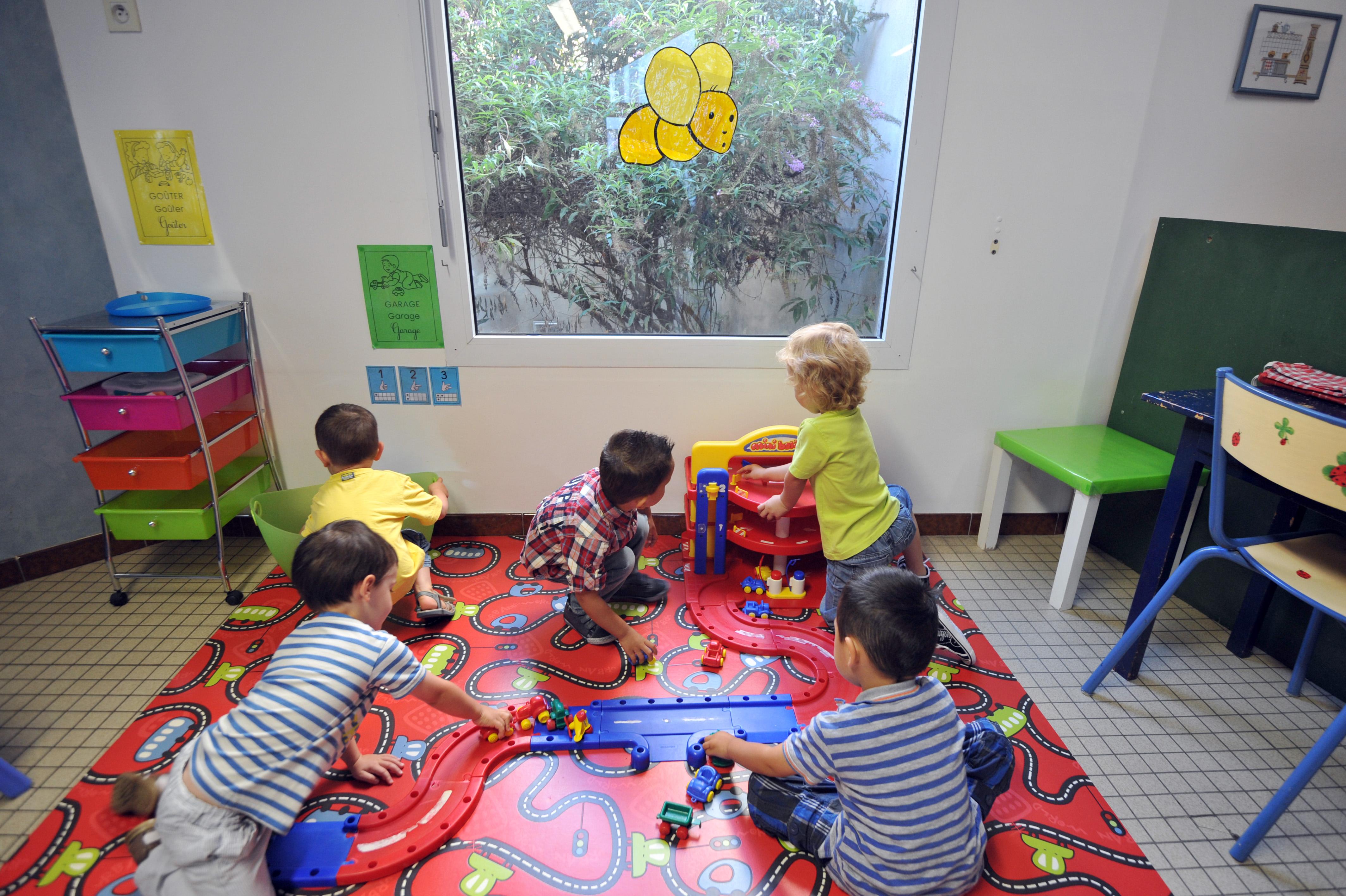 Maestra sospesa a Fabriano per maltrattamenti ai bambini