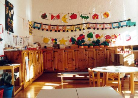 Privo delle autorizzazioni, la polizia chiude un asilo nido a Napoli