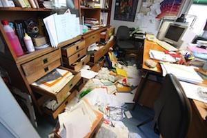 Vandali in azione negli uffici dell'Asp 2 di Caltanissetta