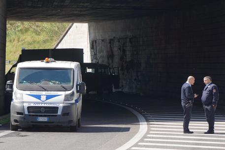 Assaltarono un portavalori sull'autostrada A12, arresti in Puglia e Toscana