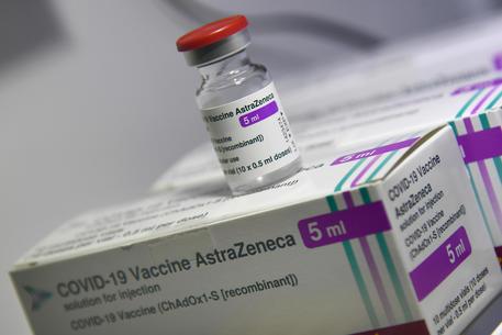 Vaccini, al via oggi in Sicilia la campagna anticovid con AstraZenica