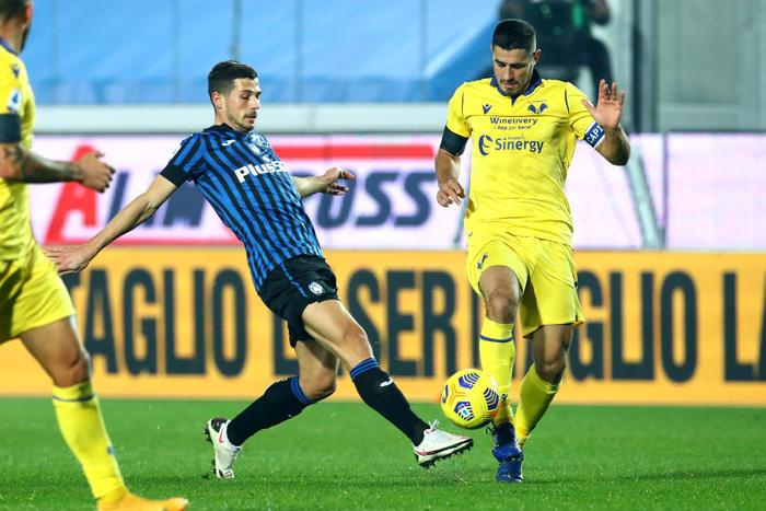 La caduta della Dea, il Verona sbanca a Bergamo: Inter fa tris al Sassuolo