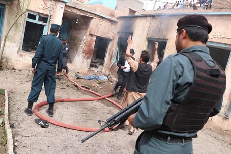 Afghanistan: attacco in moschea, almeno 20 morti e 40 feriti