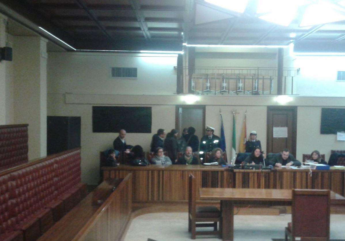 Augusta: il Consiglio approva il baratto amministrativo, l'opposizione lascia l'aula