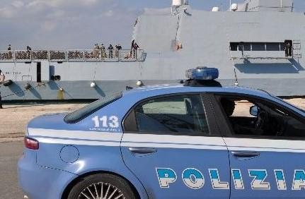 Sbarco ad Augusta di 221 migranti: fermati cinque presunti scafisti