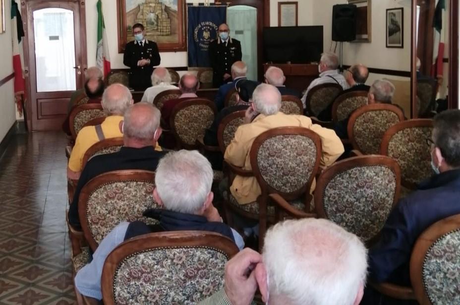 """Augusta, lezioni """"antitruffe"""" dei carabinieri agli anziani"""