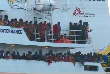 Augusta sbarcati 784 migranti, novecento salvati  nel Canale di Sicilia