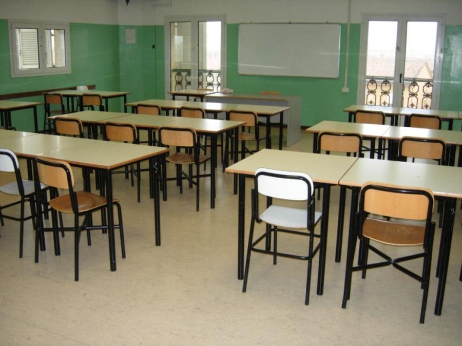 Sortino, cade intonaco all'istituto Columba: oggi niente scuola