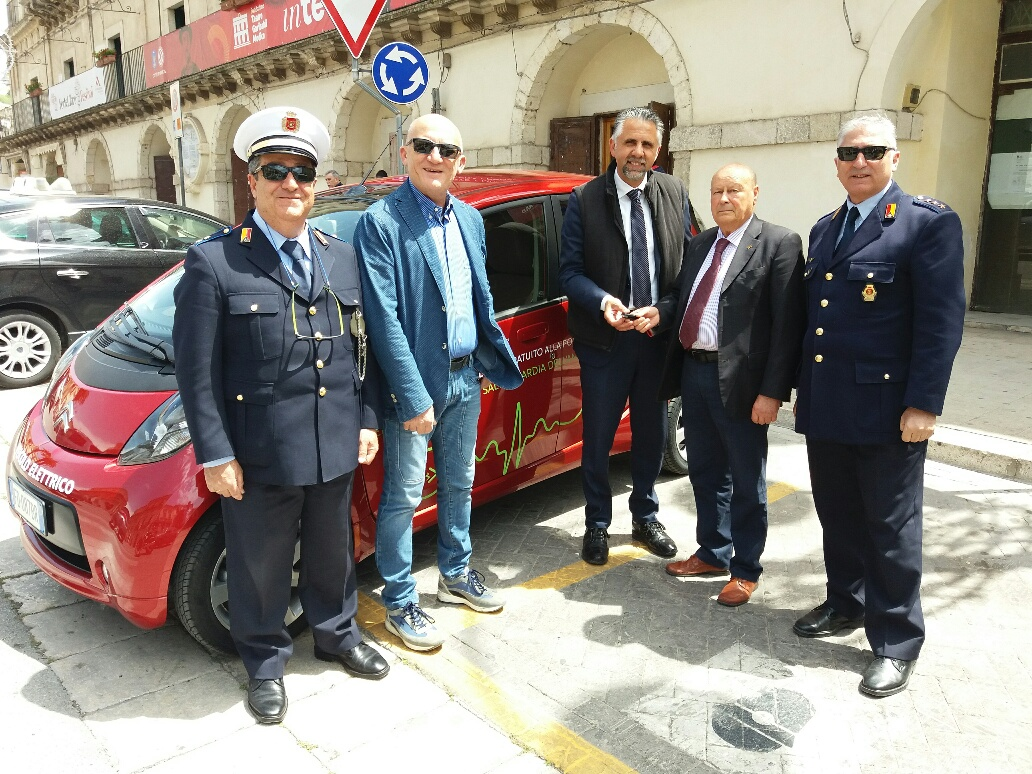 Prima auto elettrica alla polizia municipale di Modica