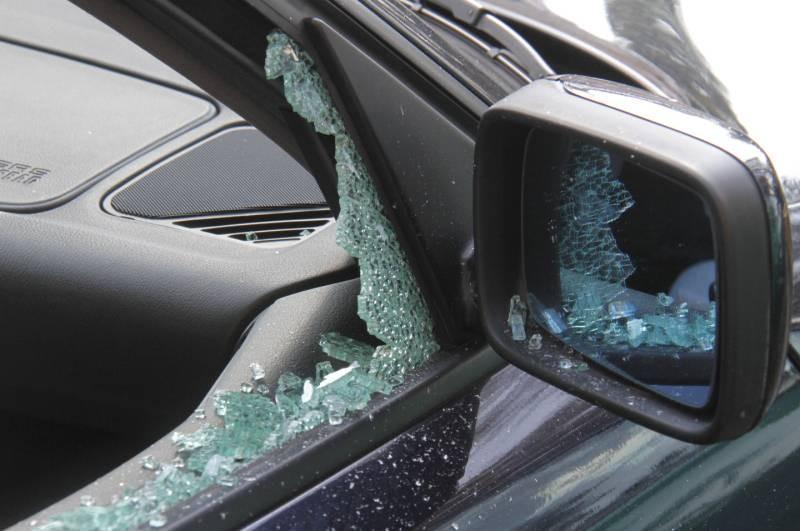 Agrigento, danneggiate 12 autovetture parcheggiate in centro