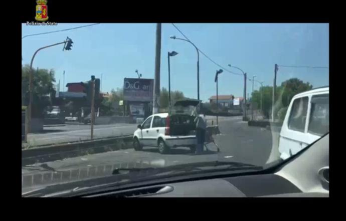 In vacanza con l'auto di servizio, 5 dipendenti Pubbliservizi sospesi a Catania