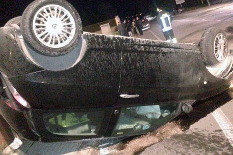 Incidenti stradali, auto fuori strada: muore un 21enne nel Foggiano