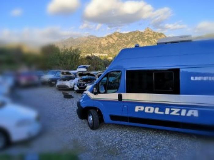 Auto rubate rimesse sul mercato, sequestri della Polstrada di Reggio Calabria