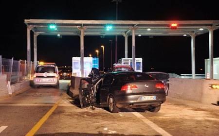 Siracusa, l'auto di scorta di Crocetta contro il casello: due assoluzioni