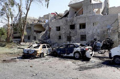 Siria: 3 autobombe nel centro di Damasco, 12 morti
