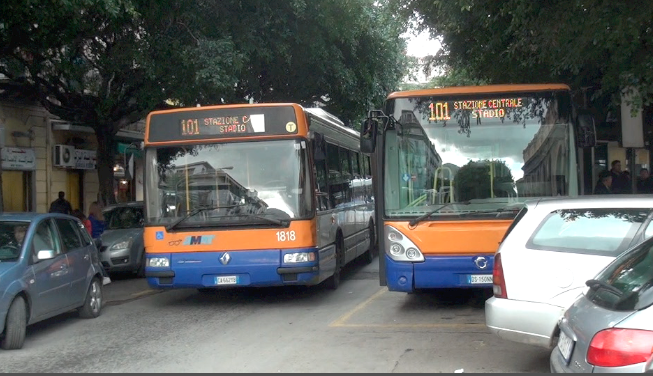 Palermo, tenta un furto con destrezza sul bus 101: arrestato