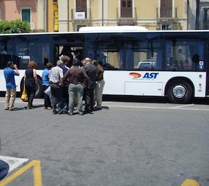 Si potenzia la flotta Ast a Siracusa, acquistati 32 nuovi autobus