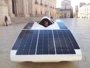 Siracusa, per l'omaggio ad Archimede al Duomo spunta l'auto solare