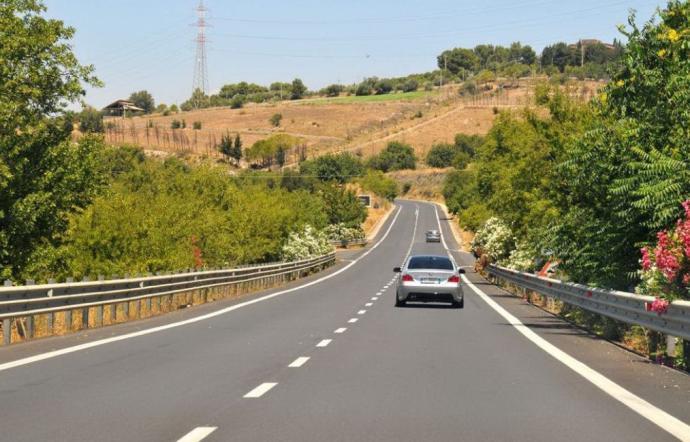 Autostrada, marcia lenta di auto sulla Ragusa - Catania per i ritardi del Cipe