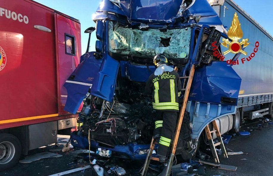 Incidente stradale mortale sulla Palermo - Messina  nel tratto di Cefalù