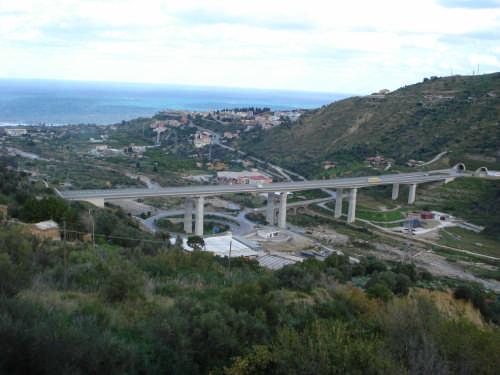 Verifiche sul viadotto Santo Stefano sulla Messina-Catania