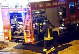 Avola, scoppia un incendio in una casa: due persone salvate dai pompieri
