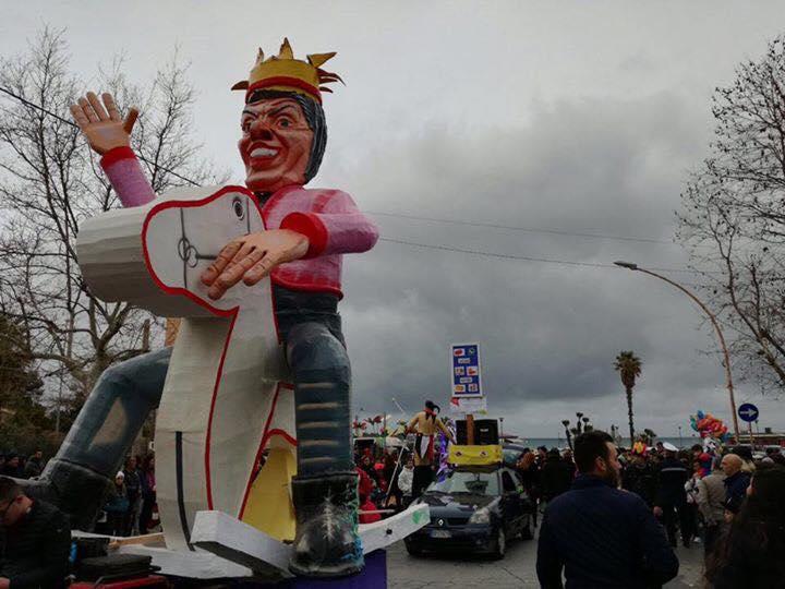 Carnevale, saltano le sfilate a Floridia e Palazzolo per la pioggia