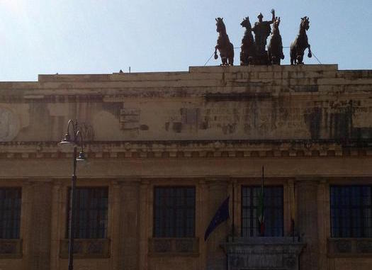 Messina, croci sui muri di casa: intimidazioni a un Pm