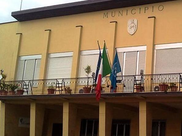 Palpeggiò tre donne a Bagnara: ai domiciliari vice prefetto di Reggio Calabria