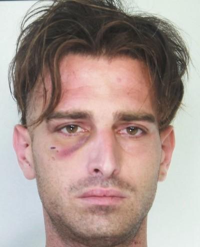 Rapinatore acrobata, abusa di una giovane donna