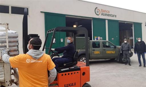 Magazzino banco alimentare operativo al Maas di Catania