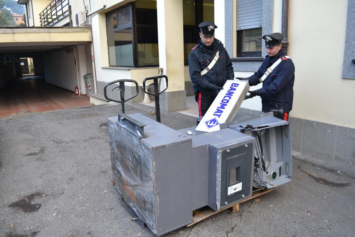 Sgominata banda specializzata in furti bancomat: 7 arresti nel Napoletano