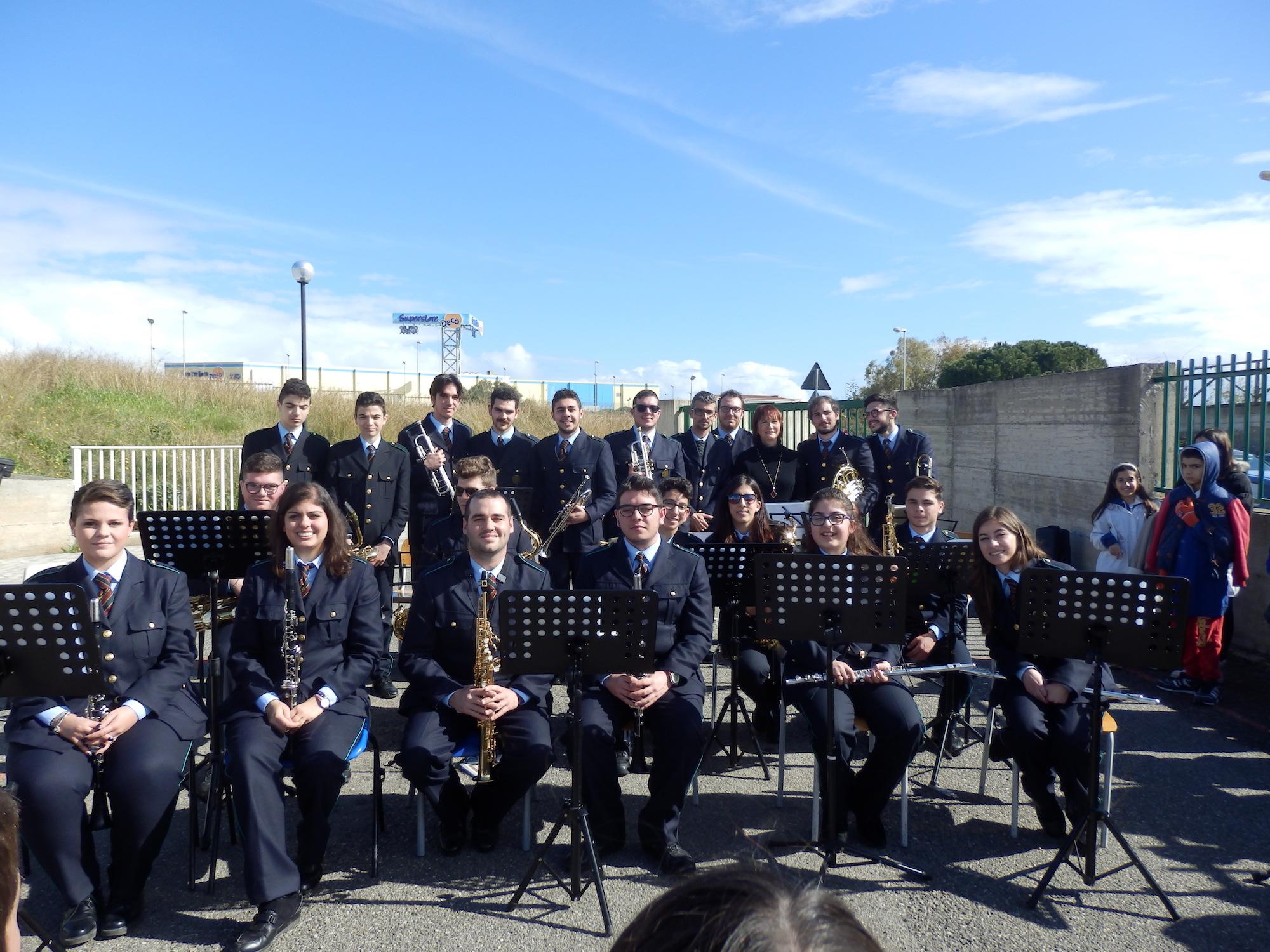 Augusta, lezione concerto della banda musicale all'Istituto Corbino