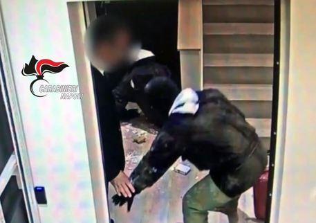 Sgominata a Napoli la 'banda del buco': dodici persone arrestate