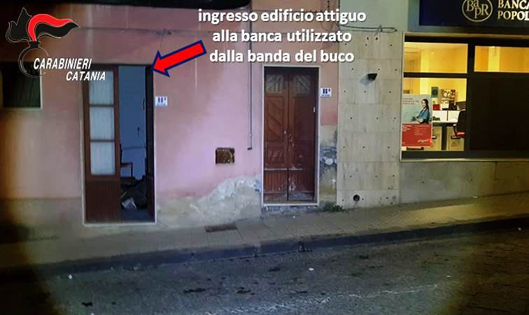 """Presa """"banda del buco"""" a Ramacca: voleva svaligiare Popolare di Ragusa"""