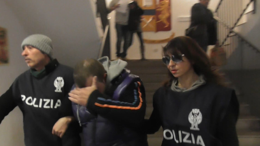 Ragusa, arrestato il molestatore delle giovani studentesse minorenni
