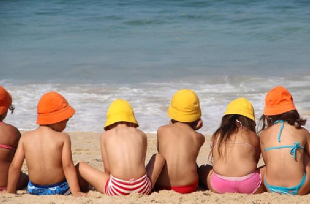 """Spiagge a misura di bambini, """"Bandiera Verde"""" per il quarto anno sul litorale di Noto"""