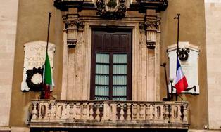 A Catania lunedì sarà lutto cittadino per la strage di Parigi