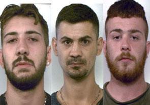 Assaltano il ristorante 'Del Bosco' a Santa Venerina: presi 3 banditi