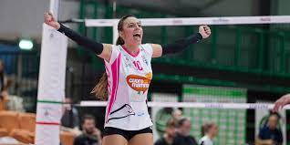 """Giocatrice di pallavolo di Siracusa bloccata in Calabria:"""" Sono provata"""""""