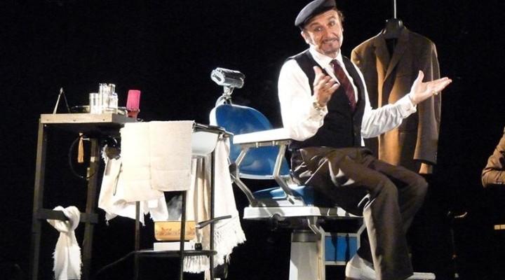 """Modica, al Teatro Garibaldi in scena """"Barberia"""" con Massimo Venturiello"""