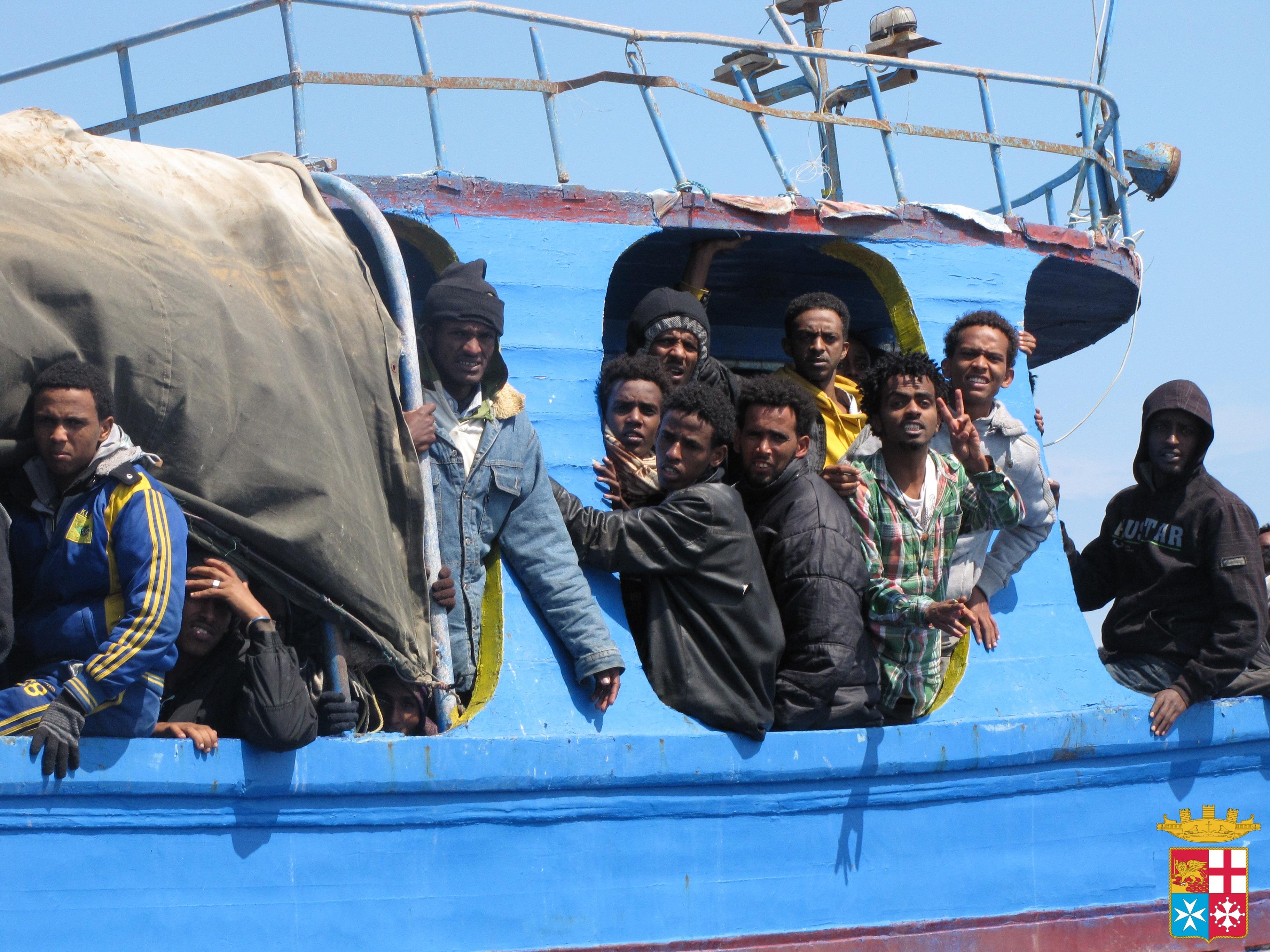 Barca con 40 migranti soccorsa davanti a Lampedusa