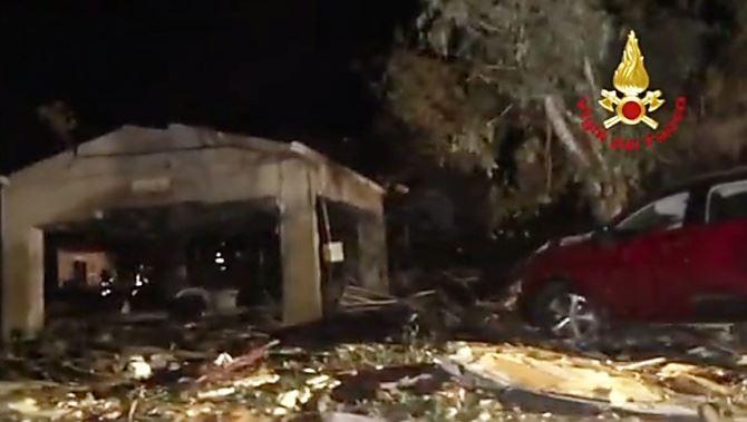 Esplosione fabbrica di fuochi nel Messinese: c'è un terzo indagato