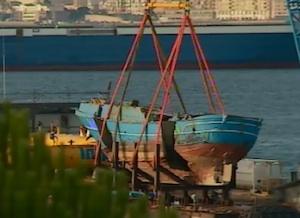 Orrore a Melilli, dal barcone della morte recuperati i primi 39 resti umani