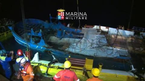 """Siracusa, Vinci e Sorbello: """"Il barcone della morte resti in città"""""""