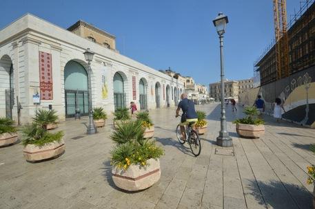 Terrorismo, a Bari fioriere anti tir nelle piazze del Centro