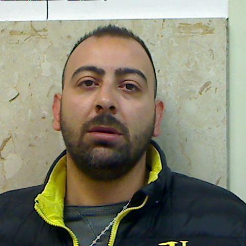 Cocaina e armi d'oro, cinque persone arrestate a Catania